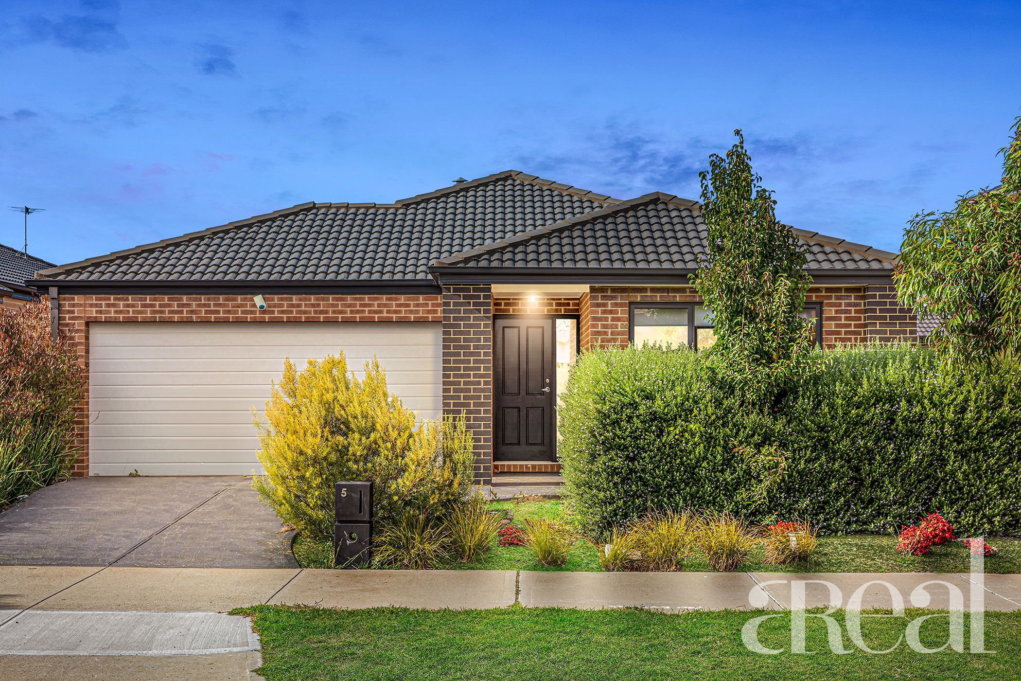 5 Fairwater Drive, Point Cook VIC 3030