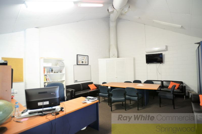 Just Reduced - 160sqm Quality Office In The Heart Of Springwood