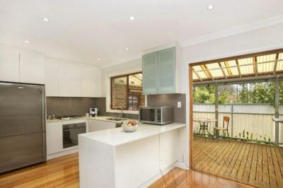 LIFESTYLE QUALITY, PEACE AND PRIVACY - BATHED IN NATURAL LIGHT