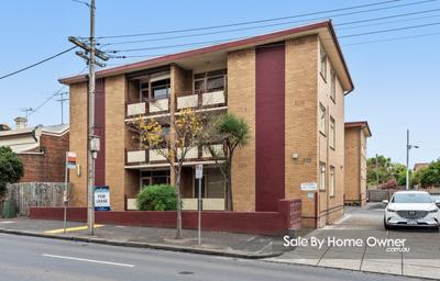 Fresh 2 bedroom apartment in Carlton North