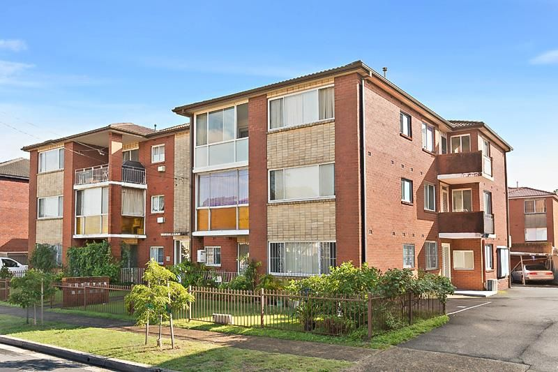 SOLD: Spacious 2 Bedroom Unit Close to the City