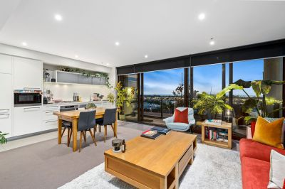 Live in style in this exceptional Yarra Point abode