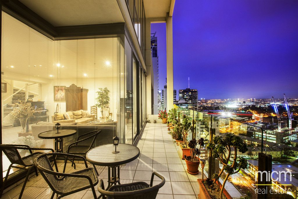 Penthouse Perfection in Southbank's Heart