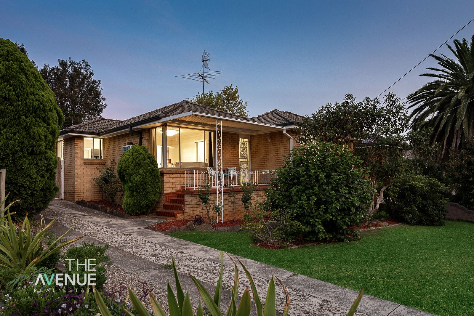 8 Woodberry Road, Winston Hills NSW 2153