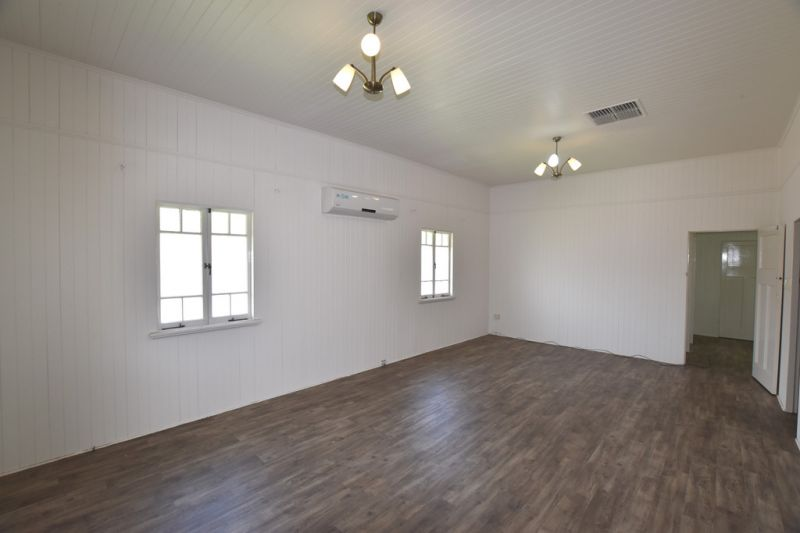 :: FULLY RENOVATED INNER CITY OFFICES, WELL PRESENTED WITH A SPLASH OF CHARACTER