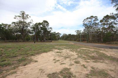 7 Acres Quiet no through road location