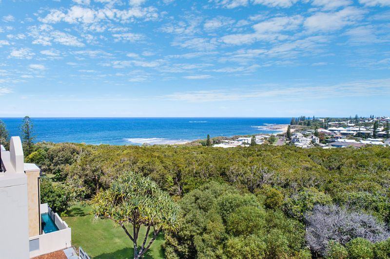 Rare Elevated Vacant Land on the Moffat Headland