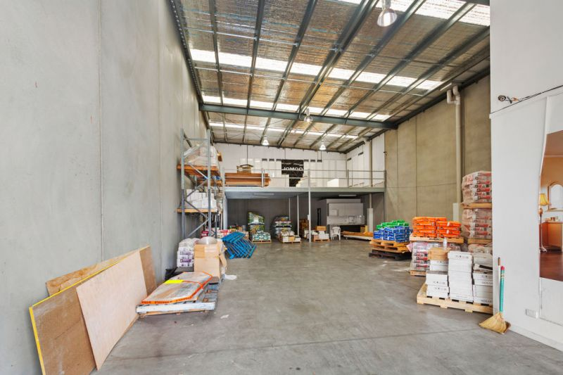 Warehouse / Showroom Variety of Use's !