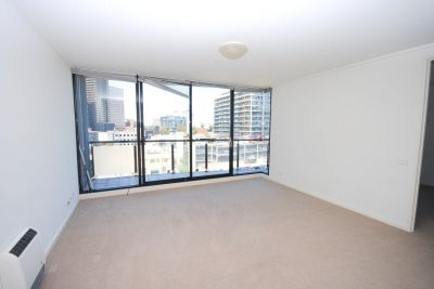 The Capri: 7th Floor - Fantastic Central Location!