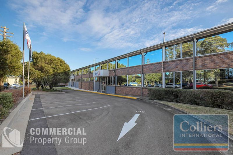 CORPORATE HQ -  AREAS FROM 2,911m² - 9,325m² ON 20,520m² SITE