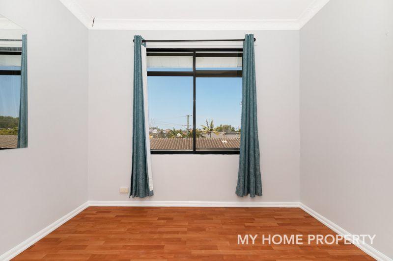 Hidden Gem Top Floor  4 Bedroom Unit in The Heart of Clayfield
