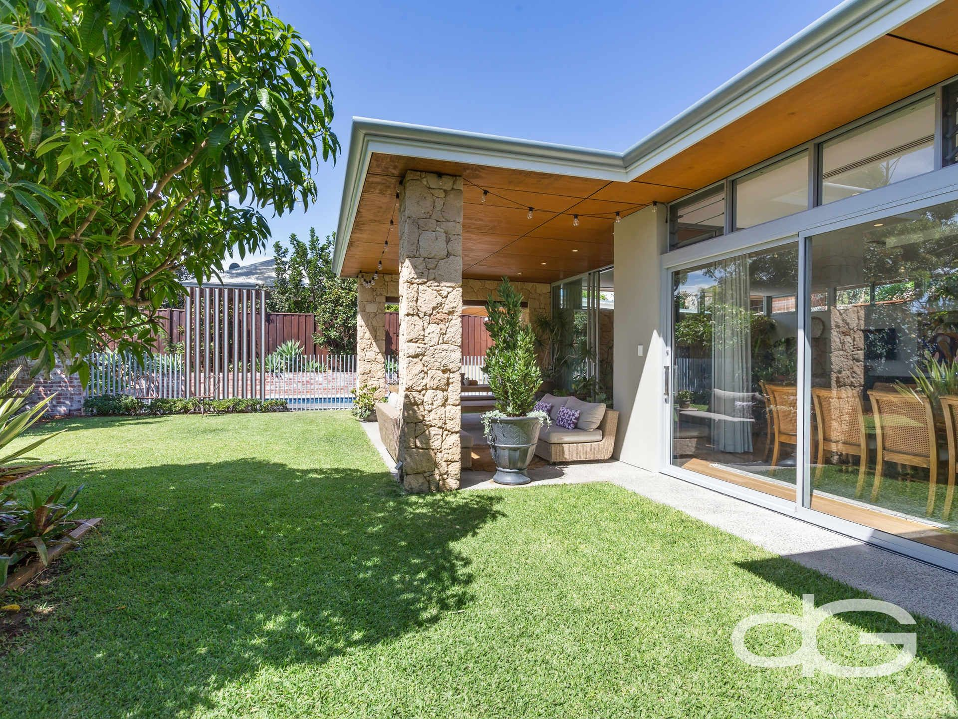 64 Oakover Street, East Fremantle