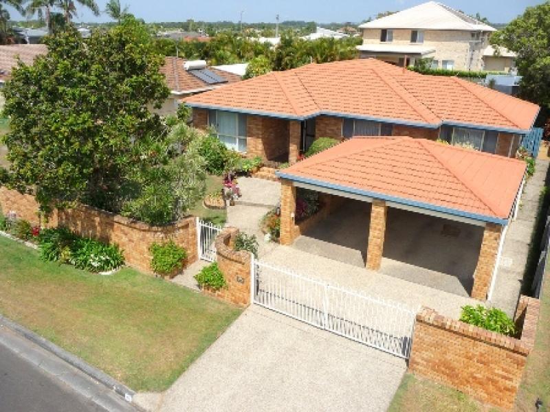 10 Moondarra Crescent, Mooloolaba QLD 4557