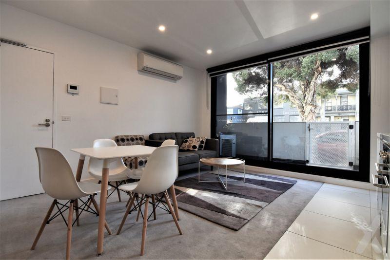 Partly Furnished One Bedroom in West Melbourne!