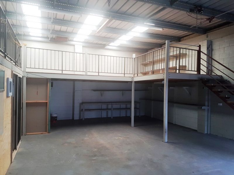 Moffat Beach Industrial Unit - Clean and Compact