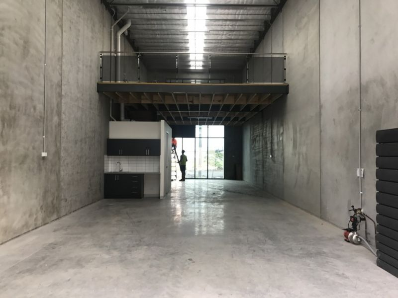 BRAND NEW WAREHOUSE/OFFICE SPACE!