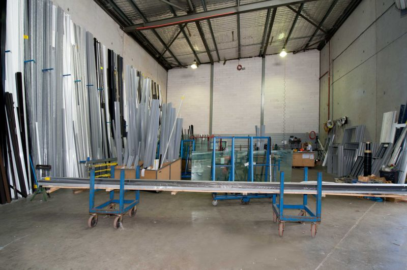 Convenient & Affordable Industrial Warehouse