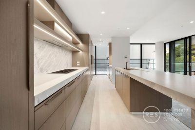 Stunning 3-bedroom Eastbourne apartment! Call Jenna – 0488 488 379