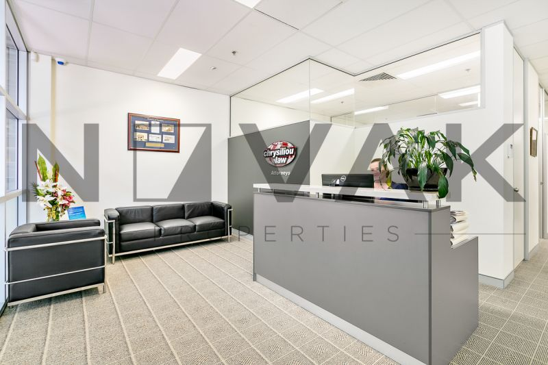 MUST BE LEASED B4 XMAS, CALL TODAY! GROUND FLOOR SUITE AVAILABLE