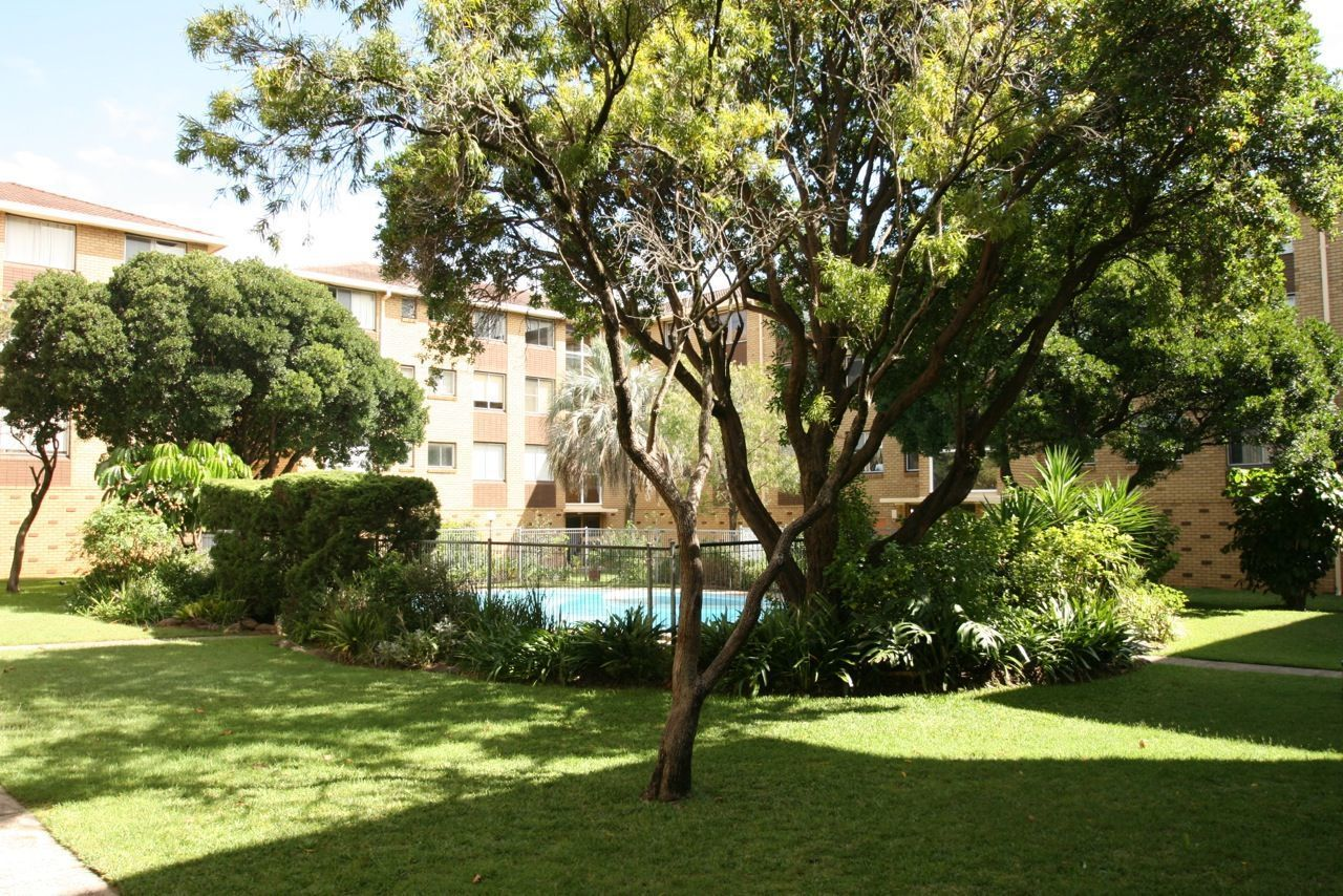 SPACIOUS 3 BEDROOM APARTMENT IN QUIET LOCATION