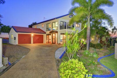 STUNNING HOME NEAR THE BEACH! - 4 BEDROOMS + FULL GRANNY FLAT & SHED on 1,141m2!