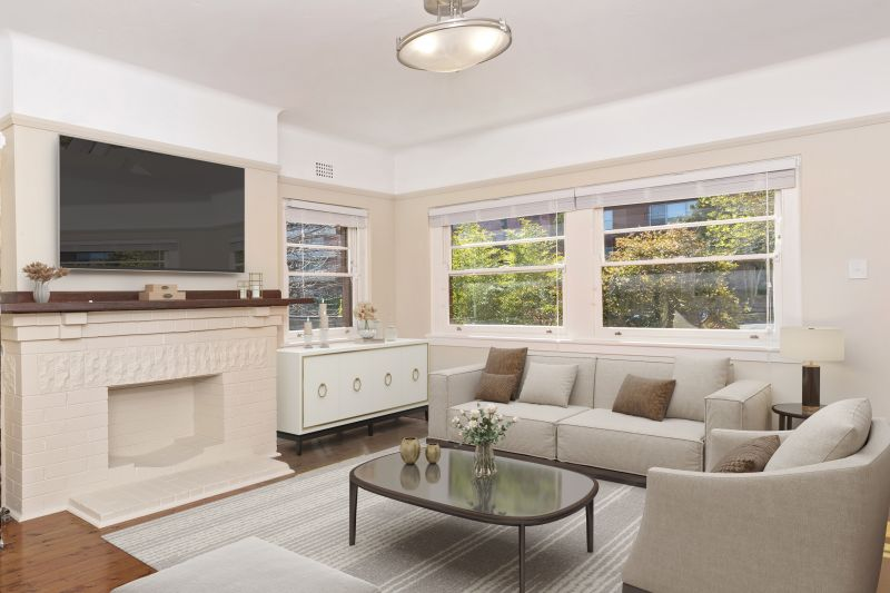 Renovated Upper Duplex Only minutes to the beach