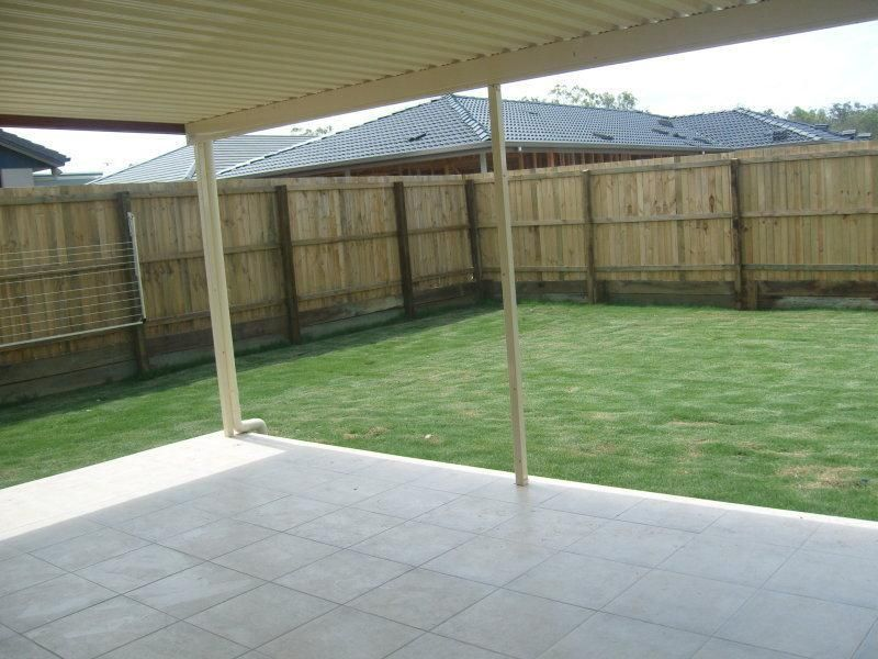 For Sale By Owner: 16 Stoneleigh Way, Holmview, QLD 4207