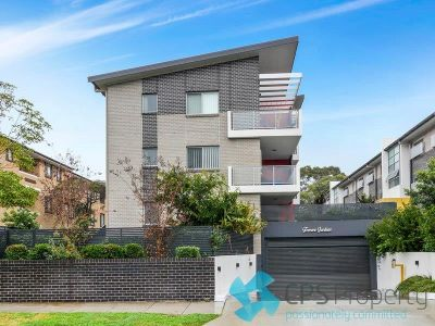 STYLISH TWO BEDROOM RESIDENCE IN POPULAR 'TERRACE GARDENS' COMPLEX