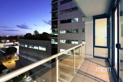 Spacious and Modern Living in 'The Vista' in South Melbourne