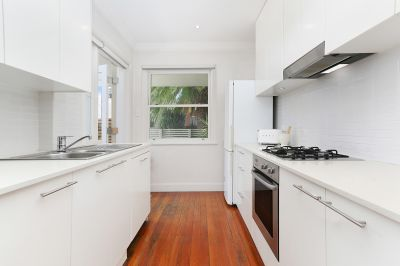 Peaceful 2 Bedroom Garden Apartment with Parking