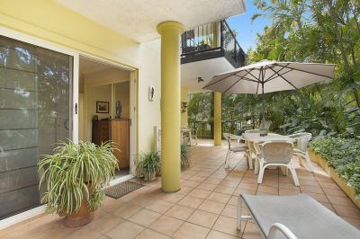 BROADBEACH  EXECUTIVE GARDEN APARTMENT