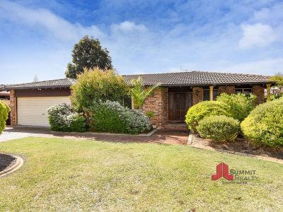 FAMILY HOME IN A SOUGHT AFTER LOCATION!