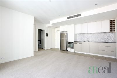 5D/9 Waterside Pl, Docklands