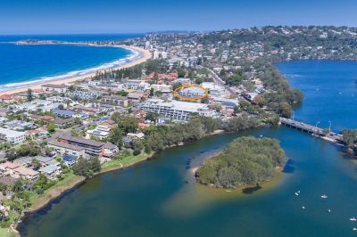 SEASIDE LIVING IN THE HEART OF NARRABEEN