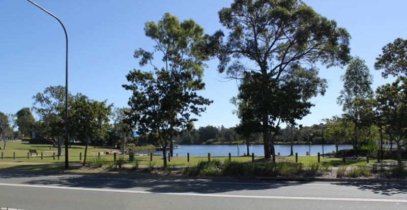 140M² RESTAURANT SPACE WITH ALFRESCO OVERLOOKING LAKE EDEN – NORTH LAKES