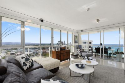 BEAUTIFUL BURLEIGH HEADS, COMMANDING OCEAN, CITY-SCAPE AND HINTERLAND VIEWS