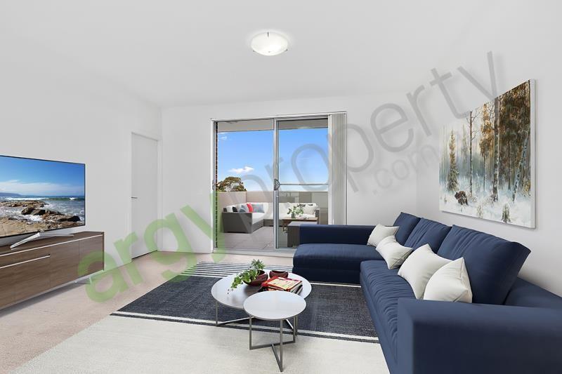 Near New, Spacious, Townhouse Style Apartment