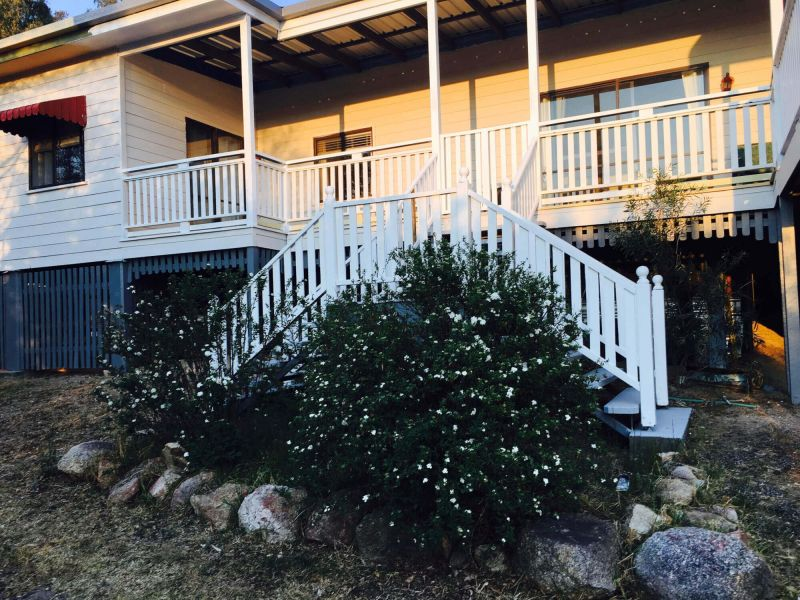 Cosy Accommodation in the Heart of Granite Belt Wine Country