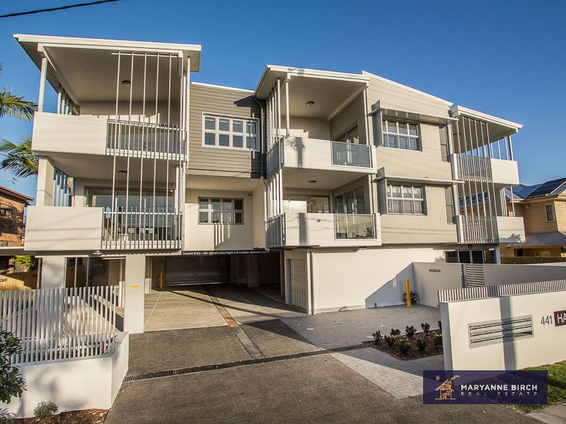 BULIMBA EXECUTIVE LIVING WITH CITY VIEWS