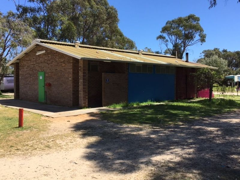 Real Estate For Commercial Sale - 3232 Old Coast Road - Lake