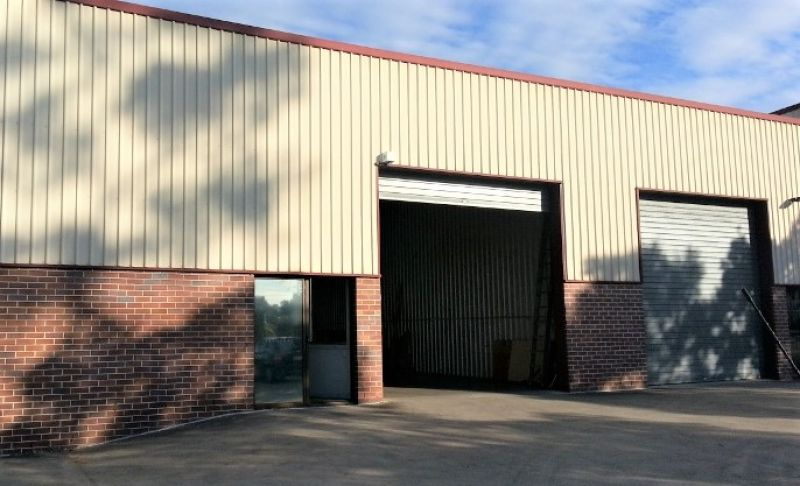 Tidy Everton Hills Shed For Lease
