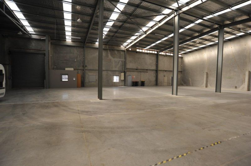 Large warehouse / office