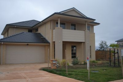 BRAND NEW LIVING ON THE LAKESIDE!!