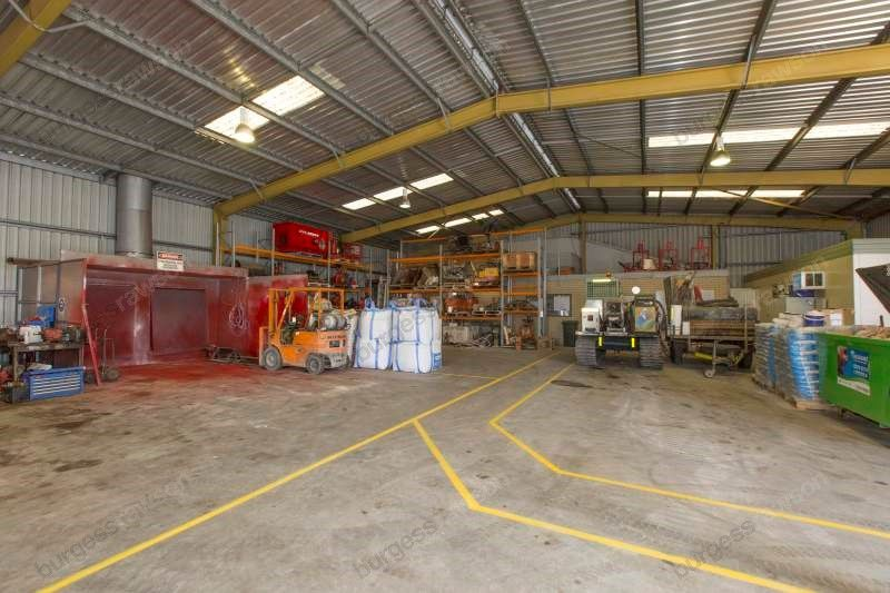 Must View - Office/Warehouse/Hardstand