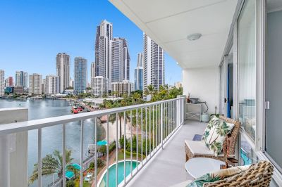 One Bedroom Apartment With Stunning Views