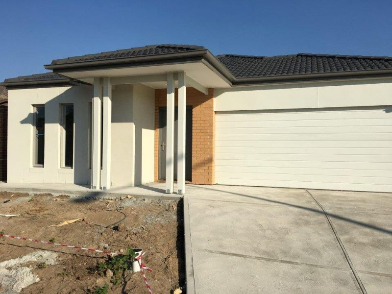 Gorgeous Brand New Family Home in a Perfect Location!