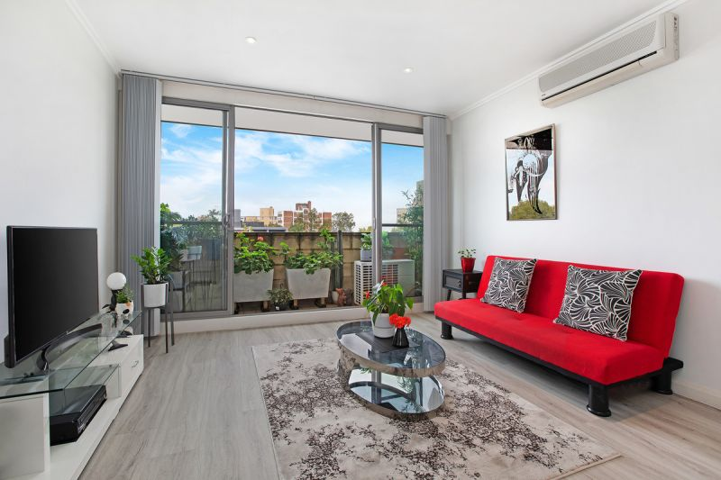Perfect 2 Bed + Study in the heart of Cremorne