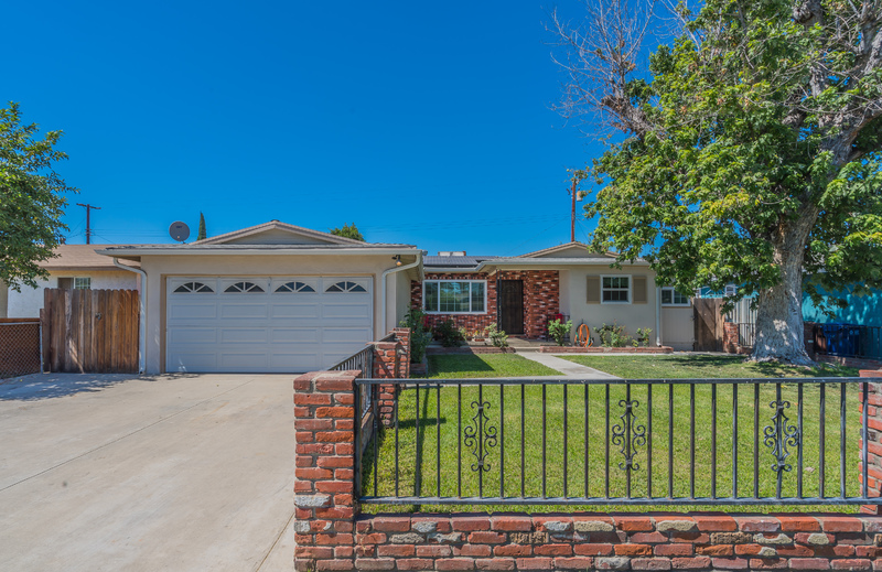 IN ESCROW! Super Deal on This Great Buy!
