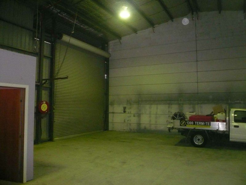 Large industrial unit with high clearance!