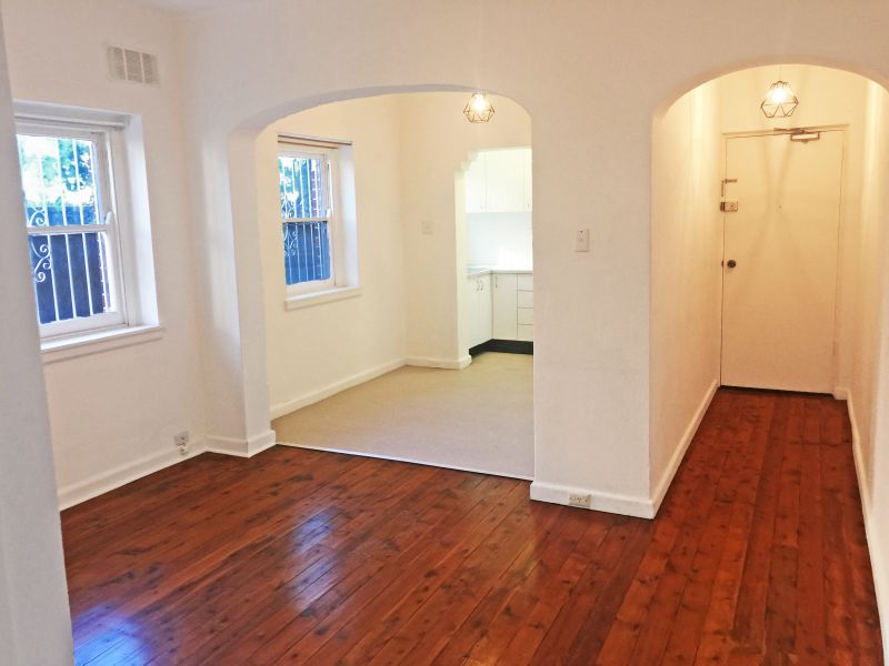 PRIVATELY POSITIONED & SPACIOUS ONE BEDROOM UNIT